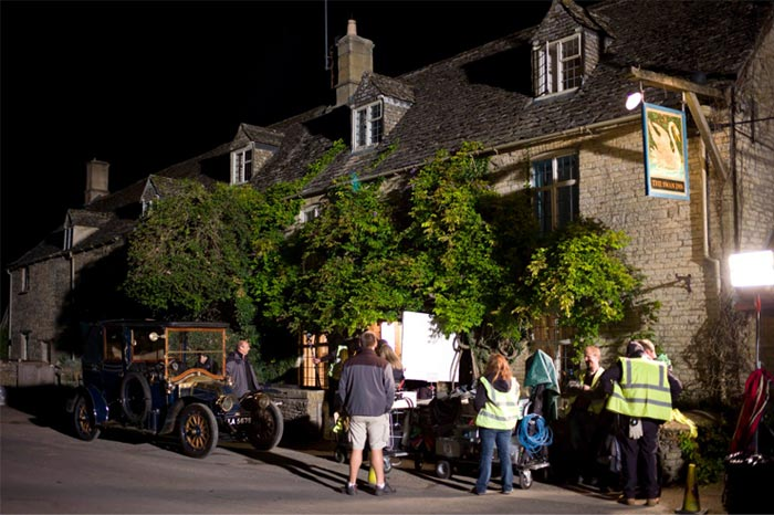 Downton-Abbey-Swan-Inn