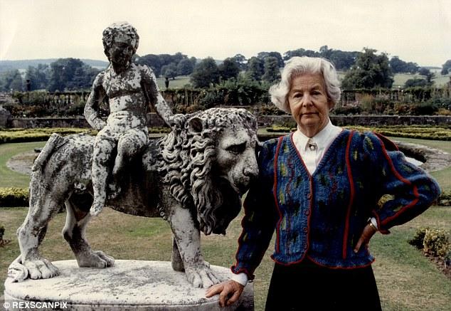 Deborah Mitford 3