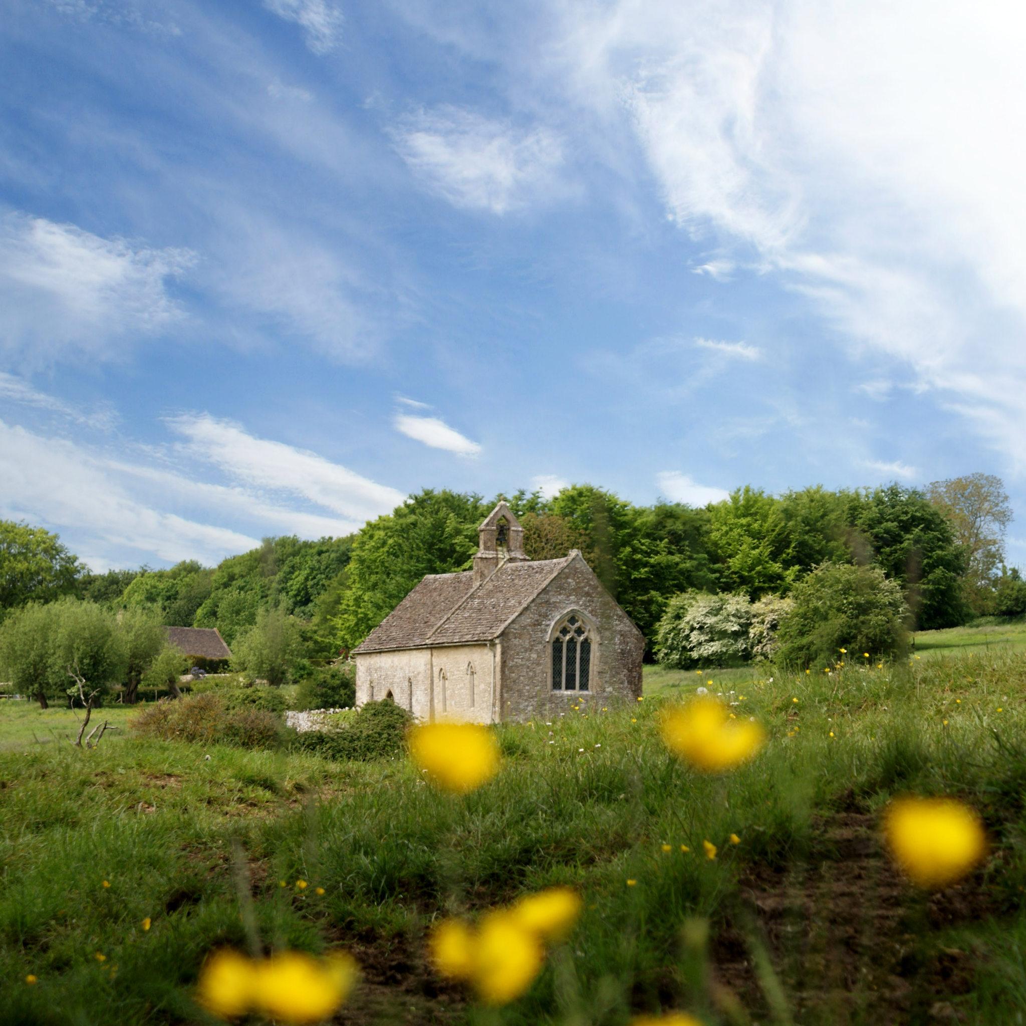 Swinbrook To Burford Walk through The Windrush Valley via St Oswalds Church, Widford